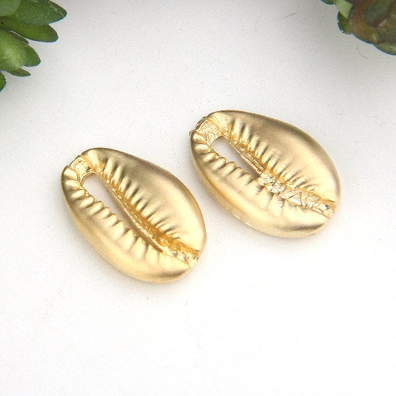 Matte Gold, Metal Cowrie Shell Connector, Beach Jewelry, Shell Charms, 2 pieces // GC-544