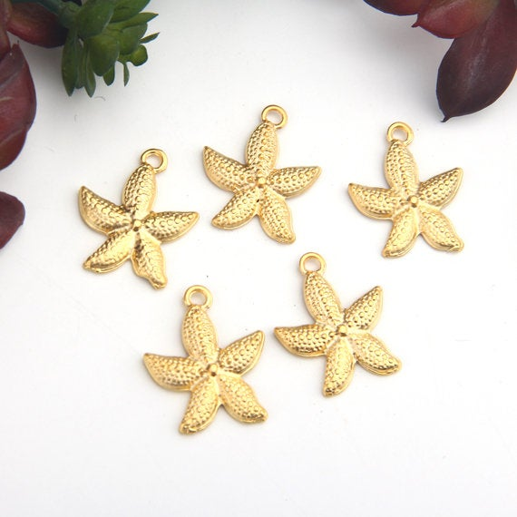 Gold, Metal Sea Star Charms, Beach Jewelry, Beach Charms, 5 pieces // GCh-289