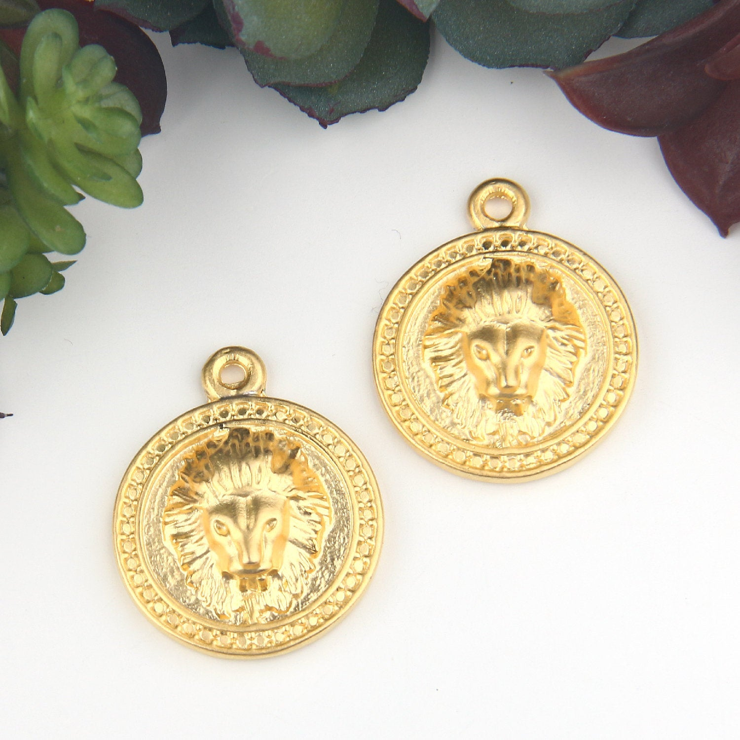 Gold, Puffed Lion Medallion Pendants, Gold Medallion, Jewelry SUpplies, Jewelry Findings, 2 pieces // GP-605
