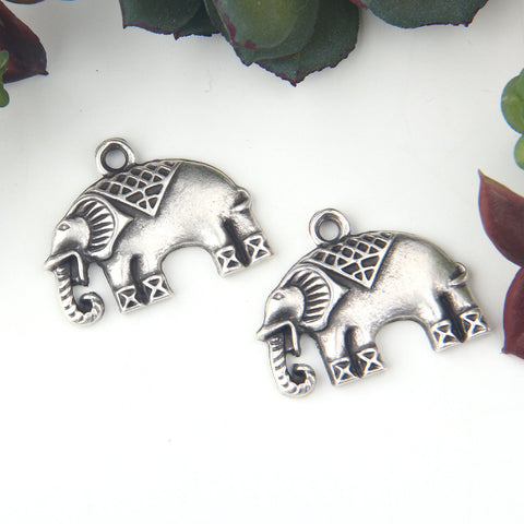 2 Silver Tribal Elephant Charm Pendants, Zinc Alloy Elephant Pendants, Animal Jewelry, 28x22mm //SP-392