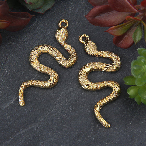 Shiny Gold Snake Pendant, Snake Necklace Piece, Crawling Snake Pendant, 2 pieces //GP-622