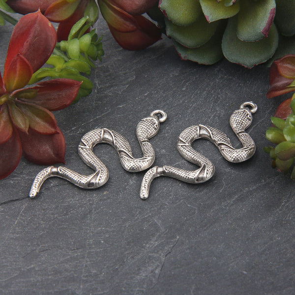 Silver Snake Pendant, Snake Necklace Piece, Crawling Snake Pendant, 2 pieces // SP-412
