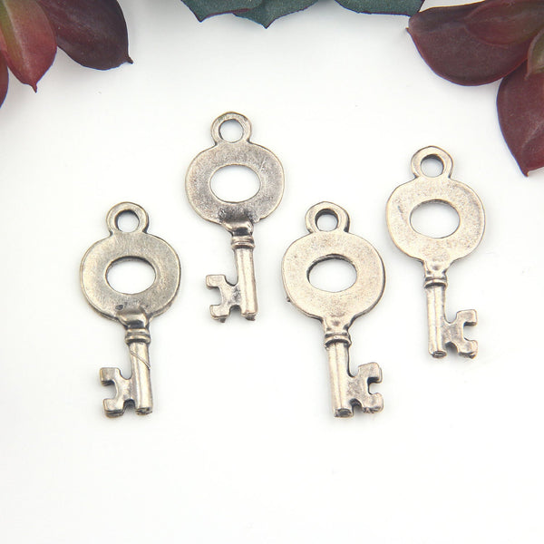 Antique Bronze Small Key Charms, Key Charms, Jewelry Supplies, 4 pieces // ABCh-047