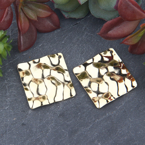 Shiny Gold Square Wavy Pendants, Square Flat Hammered Pendants, 2 pieces // GP-647