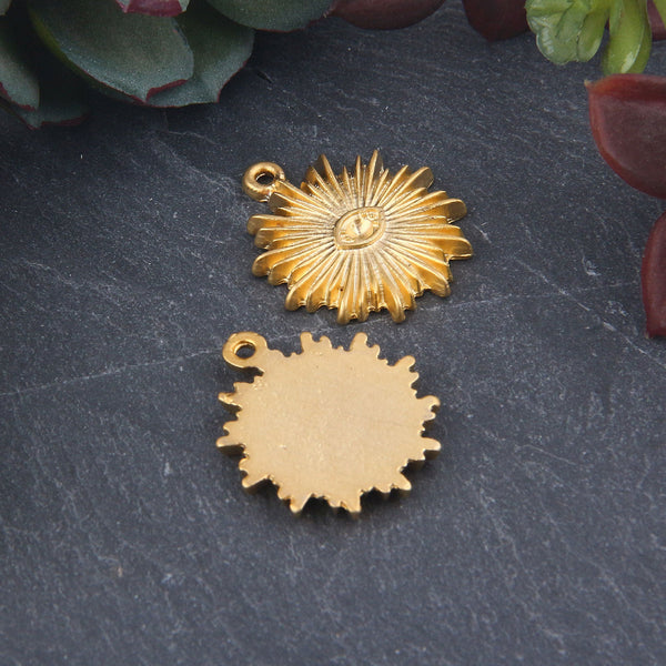 Gold Plated Sun Charms, Shining Sun Jewelry, Jewelry Supplies, 2 pieces // GCh-327