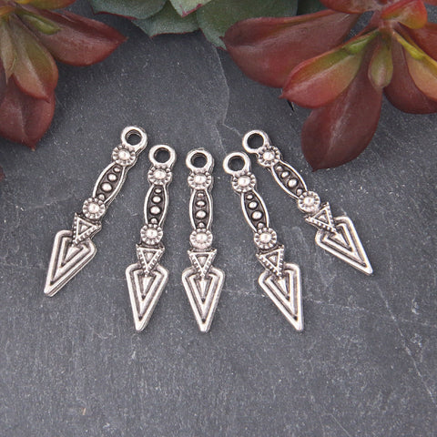 Silver Tribal Spike Charms, Tribal Arrow Charms, Long Spike Dangles, Jewelry Supplies, 5 pieces // SCh-213