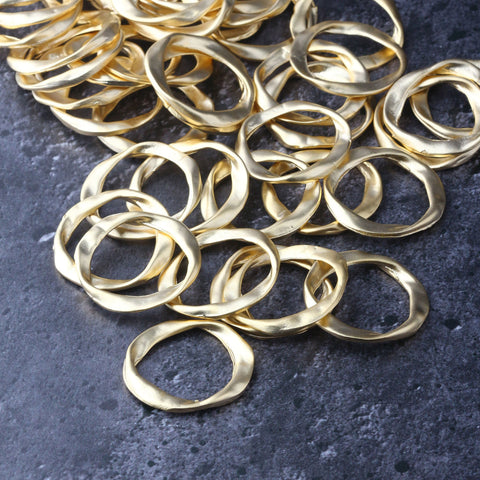 4 x Gold Plated Twisted Circle Ring Connectors | Ring Links | Gold Rings | 26mm | Jewelry Making Supplies // GC-592