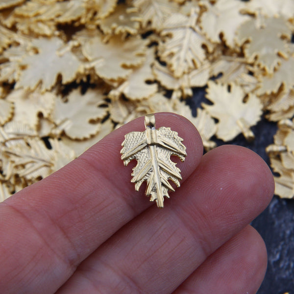 Maple Leaf Charms, Sycamore Charms, Gold Leaf Charms, Plane Leaf Drops, Maple Leaf Charms, 8 pcs, 13x19 mm // GCh-341