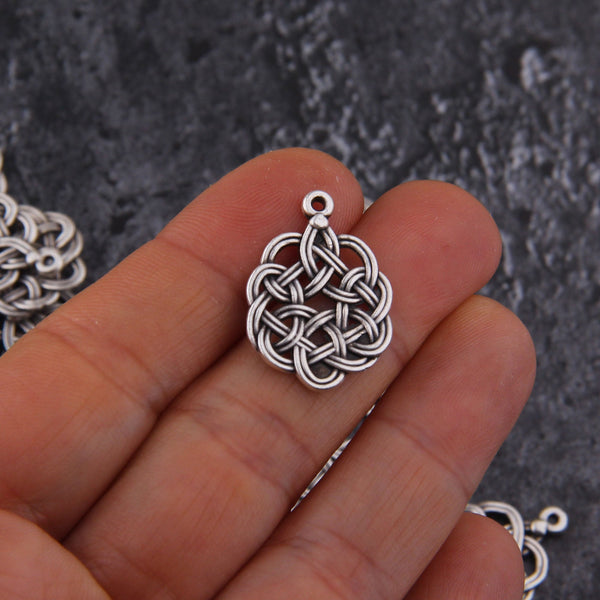 Antique Silver Celtic Knot Charms, Chinese Knot Charms, Knot Drops, Irish Knot Charms, 3 pieces // SCh-235