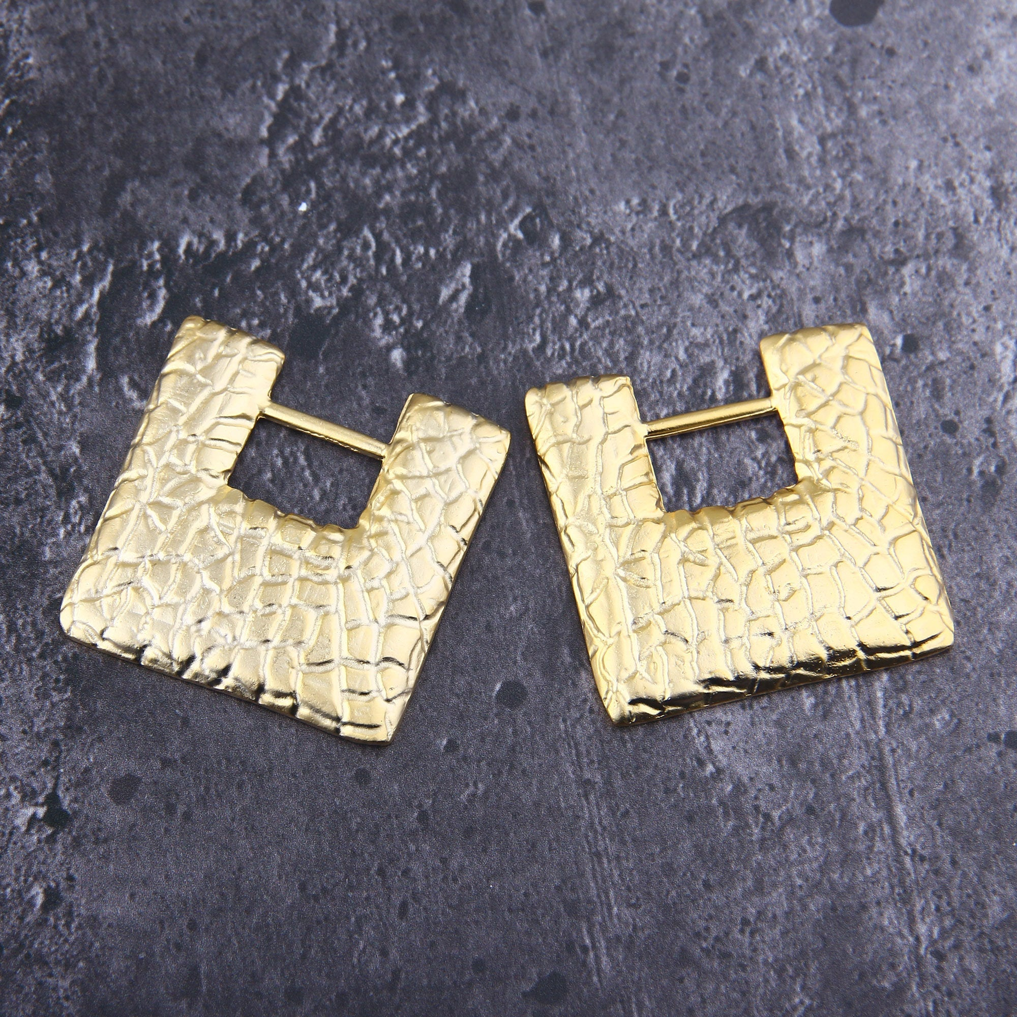 Gold Textured Earring Components, Square Earring Pendants, Snake Skin Pendants, Focal Earring, 41x41 mm, 2 pcs // GP-686