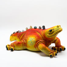 Load image into Gallery viewer, Ceramic Modeled Iguana.