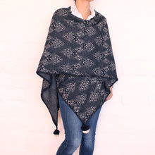 Load image into Gallery viewer, Gray Alpaca Cape-Poncho