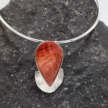 Load image into Gallery viewer, Silver and Spondylus shell Necklace 34