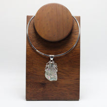 Load image into Gallery viewer, Silver and Abalone shell Necklace 42