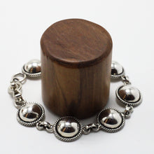 Load image into Gallery viewer, Silver Bracelet 18