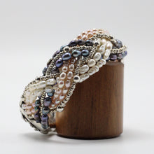 Load image into Gallery viewer, Silver and River Pearls Bracelet 26