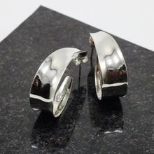 Load image into Gallery viewer, Oval Silver Earrings 27
