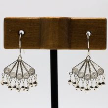 Load image into Gallery viewer, Silver Filigree Earrings 32