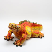 Load image into Gallery viewer, Ceramic Modeled Iguana 7