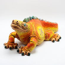 Load image into Gallery viewer, Ceramic Modeled Iguana 8