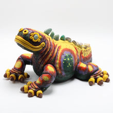 Load image into Gallery viewer, Ceramic Modeled Iguana 10