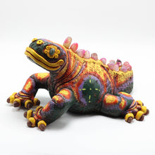 Load image into Gallery viewer, Ceramic Modeled Iguana 12