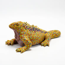 Load image into Gallery viewer, Ceramic Galapagos Land Iguana sculpture 2