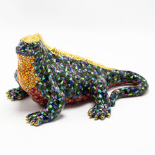 Load image into Gallery viewer, Ceramic Galapagos Land Iguana sculpture 3