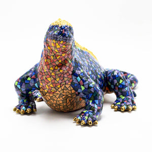 Ceramic Galapagos Land Iguana sculpture 4