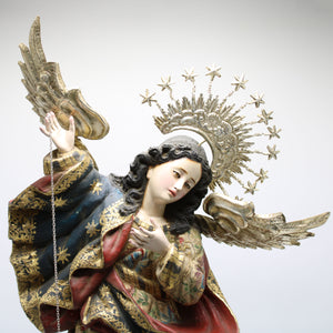 Virgen de Quito Medium