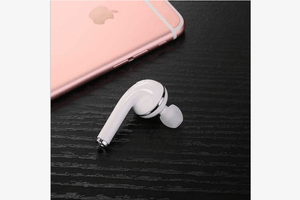 Dual Connecting Bluetooth Earphone