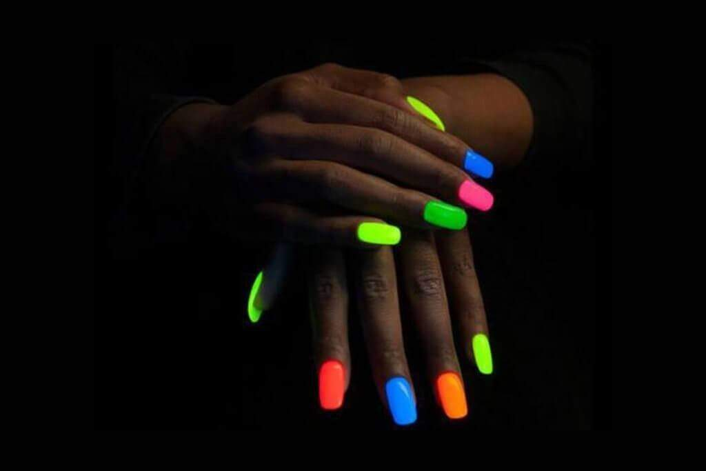 Glow in the Dark Nail Polish(5PCS,random color)