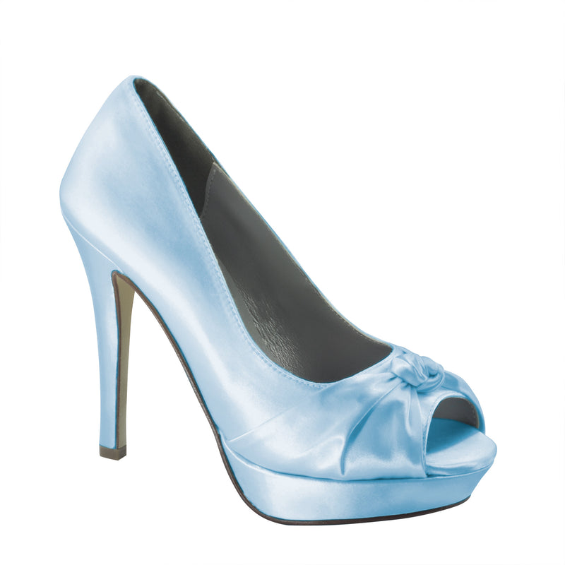 Women's dyeable ada platform pumps