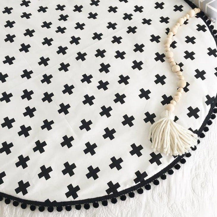 Playmat Round Large - Black Crosses (IN STOCK)