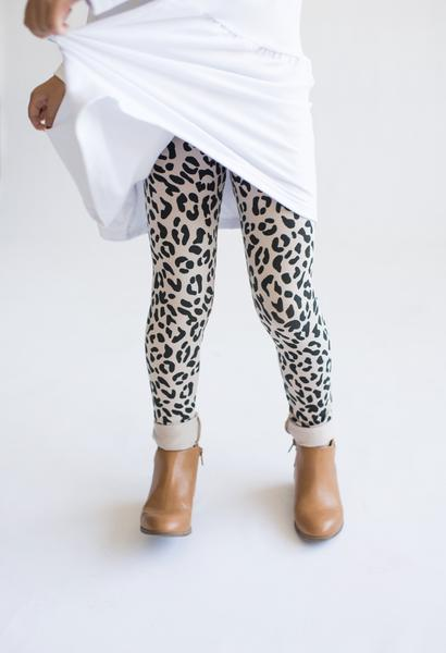 Tiny Button Apparel - Leopard Leggings