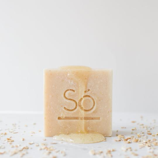 Só Luxury Bath & Body Inc. - Cleansing Bar - Honey Oat