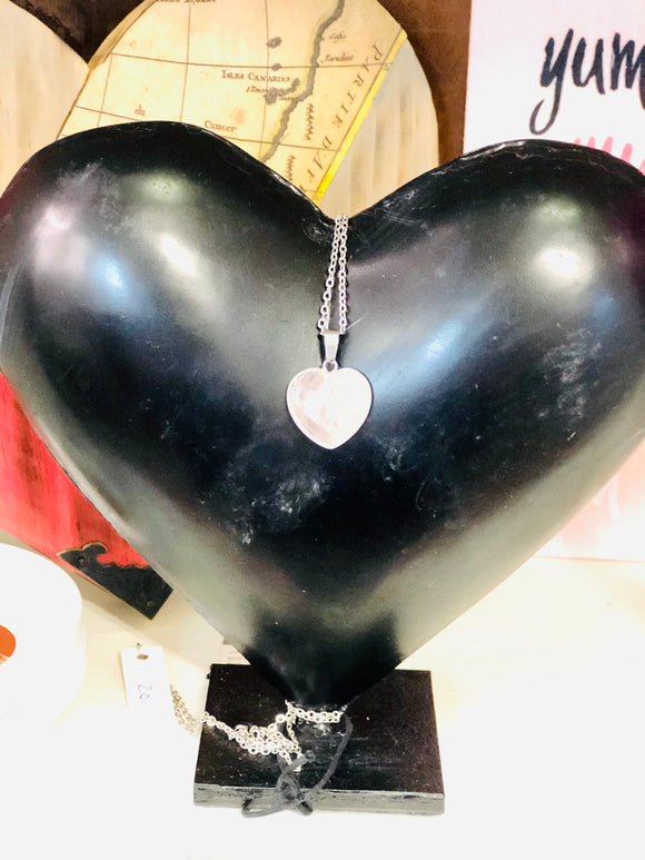 Town & Country - Black Heart Statue