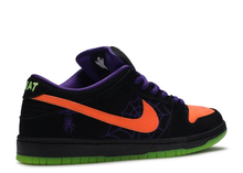 Load image into Gallery viewer, Nike SB Dunk Low Night of Mischief Halloween Size 7 US