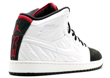 Load image into Gallery viewer, Jordan 1 Retro 99 Black Toe (2014) Size 11 US