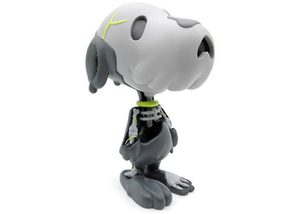 Cote Escriva Creepy Snoop Vinyl Figure Grey