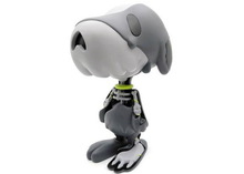 Load image into Gallery viewer, Cote Escriva Creepy Snoop Vinyl Figure Grey