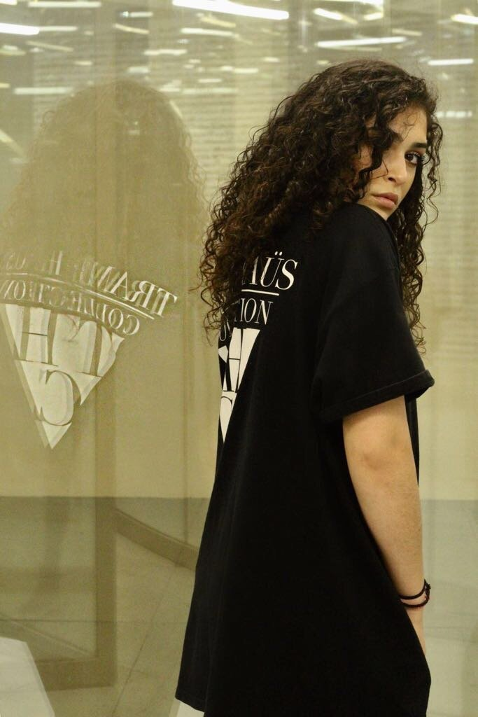 VOGUE COLLECTION TEE BLACK