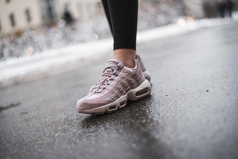 Original Authentic Nike Air Max 95 Essential Women's Running Shoes Sport Outdoor Sneakers Designer Athletic 2018 New Arrival