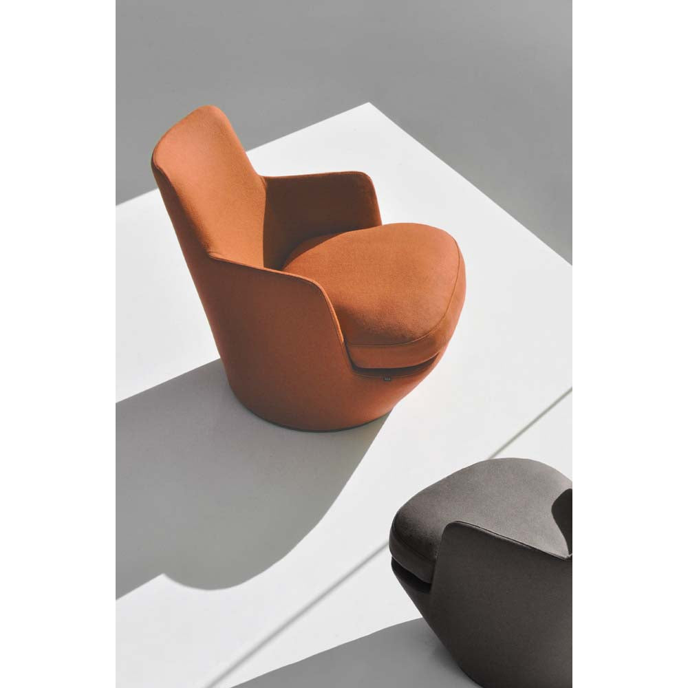 Lo Turn Lounge Chair