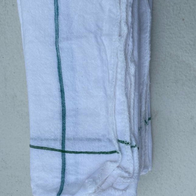 4 x white woven cotton napkins
