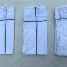 Load image into Gallery viewer, 4 x white woven cotton napkins
