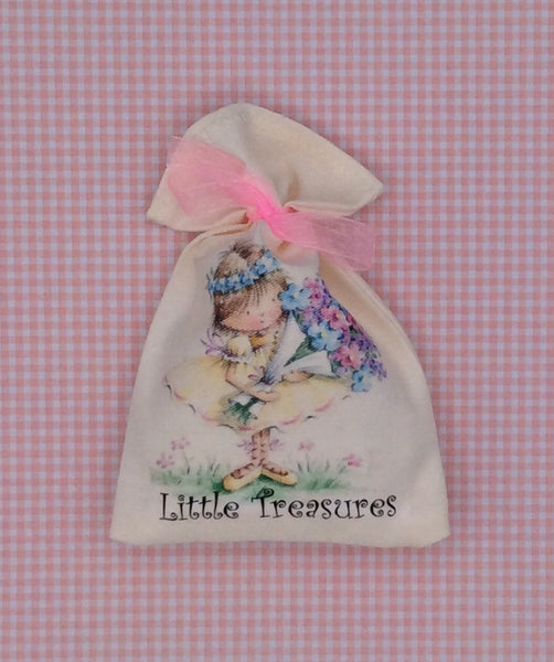 Little treasures new baby keepsake bag (Girl)
