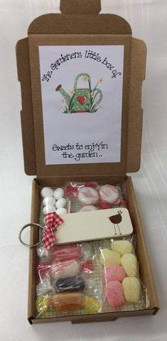 Gardeners sweetie box with personalised robin keyring