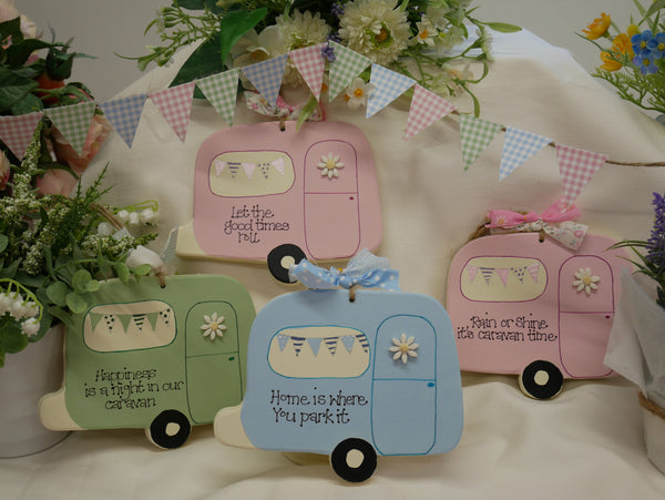 Caravan hanging keepsake plaques (personalised)