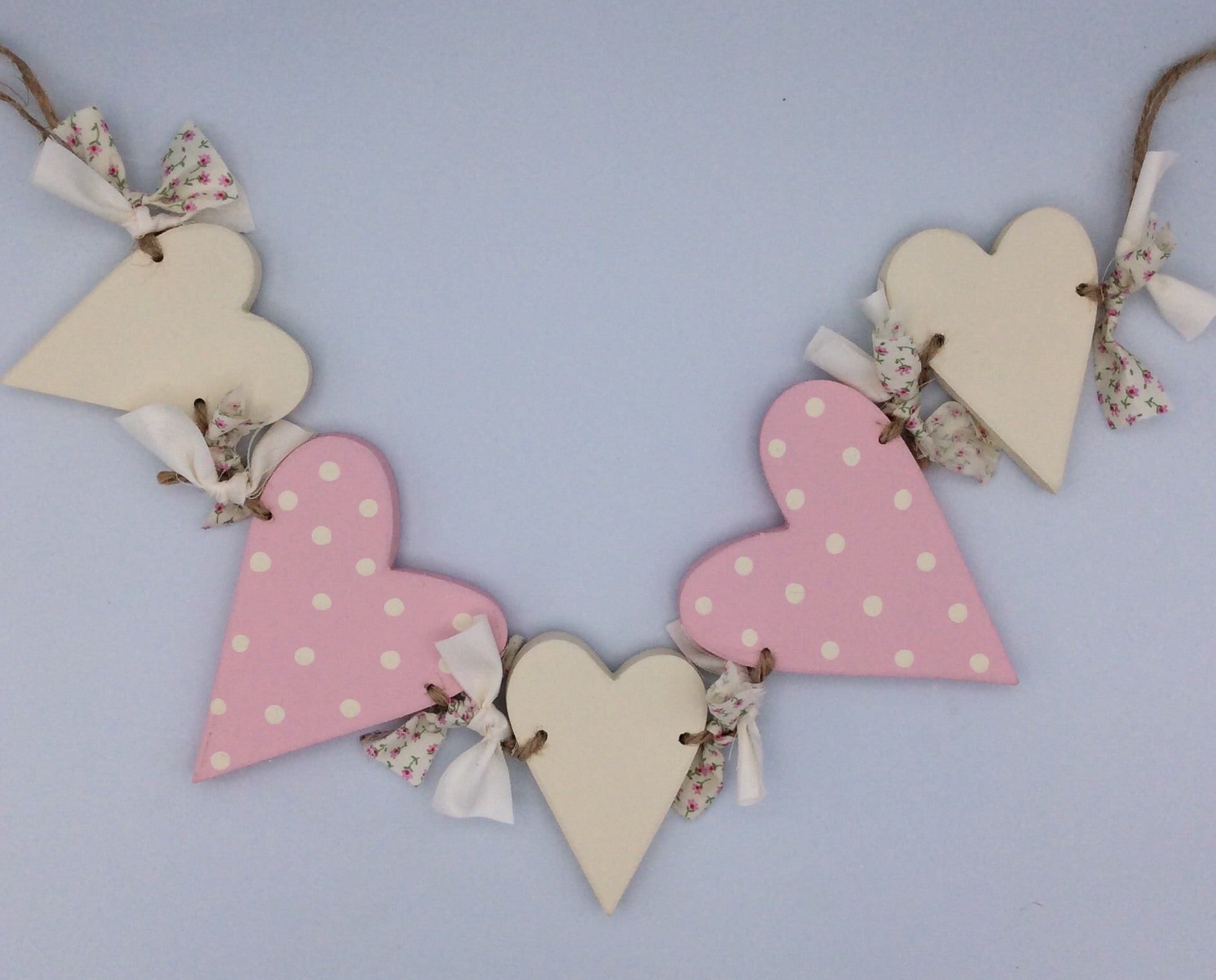 Pink hearts and ribbons bunting